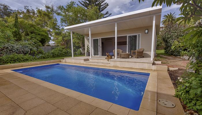modelo de piscina de verano de Freedom Pools Center