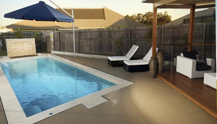 mobiliario para una piscina
